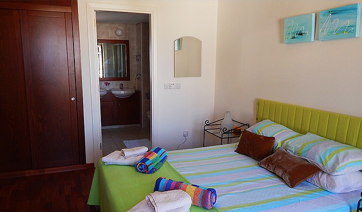 AH165JV - AHMaster bedroom