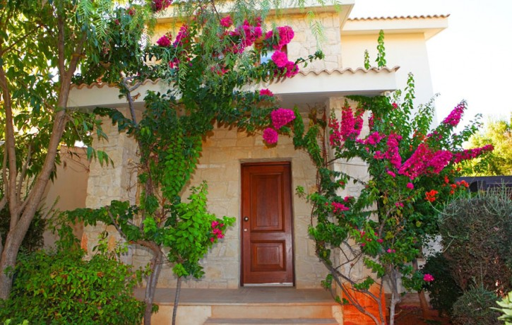 JUNIOR_VILLA__ForSale_GOLF_COURSE_AphroditeHills_FrontHouse2