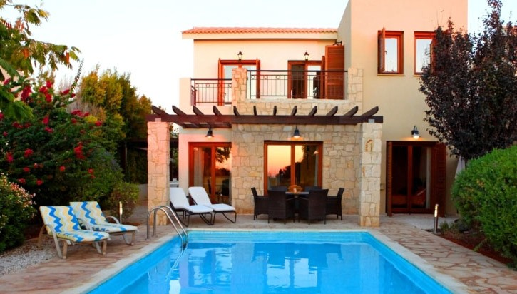 JUNIOR_VILLA__ForSale_GOLF_COURSE_AphroditeHills_backhouse