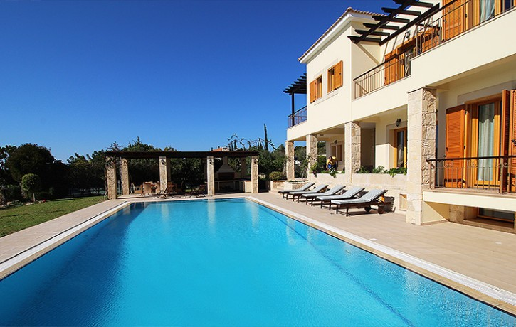 17-AH226V ~ 6 BEDROOM LUXURY DETACHED VILLA WITH STUNNING SEA & GOLF VIEWS-AphroditeHills